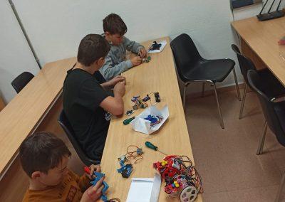 Taller Robótica Centro de Estudios Academia Formación Autoescuela en Mutxamel