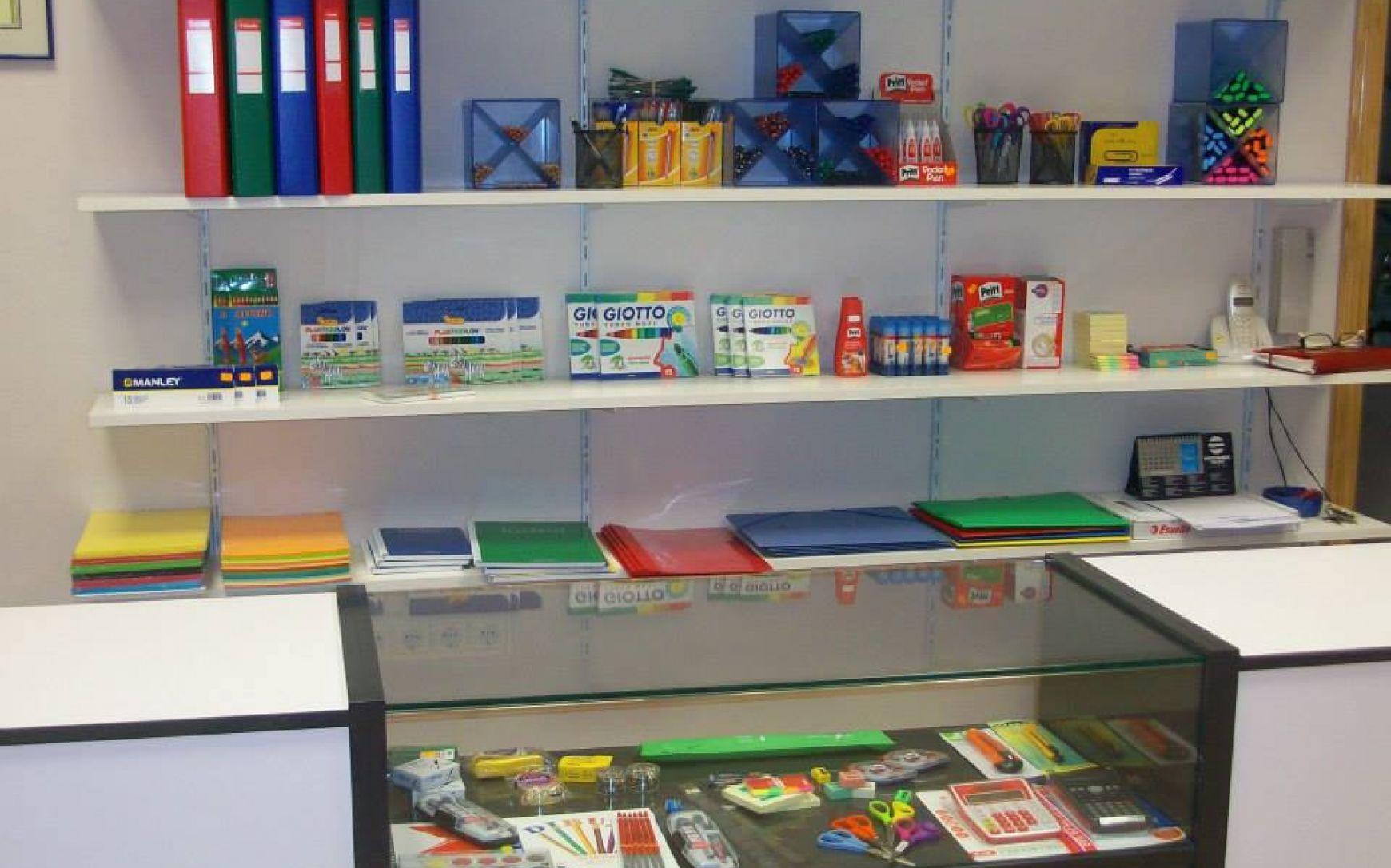 Papelería Centro de Estudios Academia Formación Autoescuela en Mutxamel