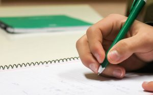 Prueba de Acceso a la Universidad Centro de Estudios Academia Formación Autoescuela en Mutxamel